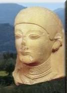 Buste de Gorgô portant un voile et des bijoux autour du cou