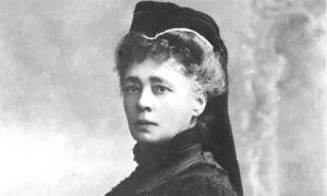 Photographie en noir et blanc de Bertha von Suttner, la baronne von Suttner