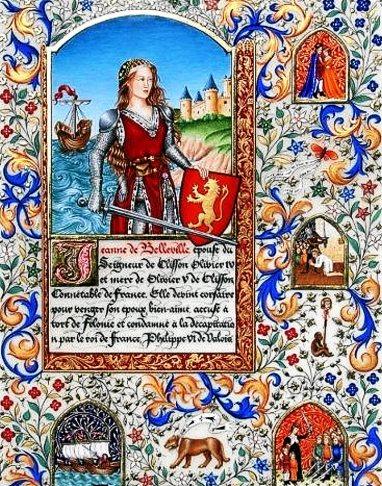 Enluminure de style gothique XVème,intitulée « Jeanne de Belleville ». L'enluminure a été exécutée sur parchemin, avec feuille d'or et pigments. Elle représente une femme en armure, tenant épée et bouclier, devant un paysage de château sur la côte avec un navire sur la mer. Elle a été réalisée par Elsa Millet, Enlumineure – Calligraphe.