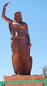 Statue de la Reine guerrière Kahena à Khenchela en Algérie.