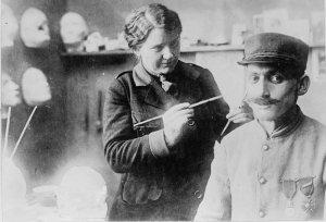 Anna Coleman Ladd et un soldat