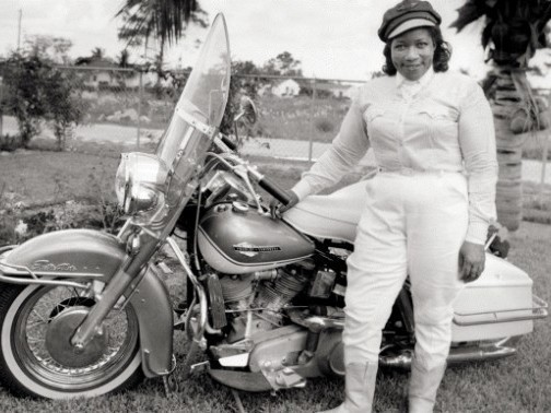 Bessie Stringfield, The Motorcycle Queen of Miami, avec sa moto