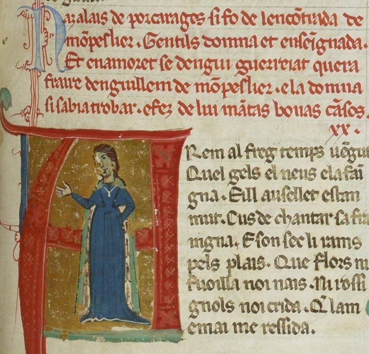 Cette image montre une enluminure représentant Azalaïs de Porcairague portant une robe bleue et un manteau vert. Au-dessus de l'enluminure, sa vida reprend une courte biographie, écrite en langue d'oc.