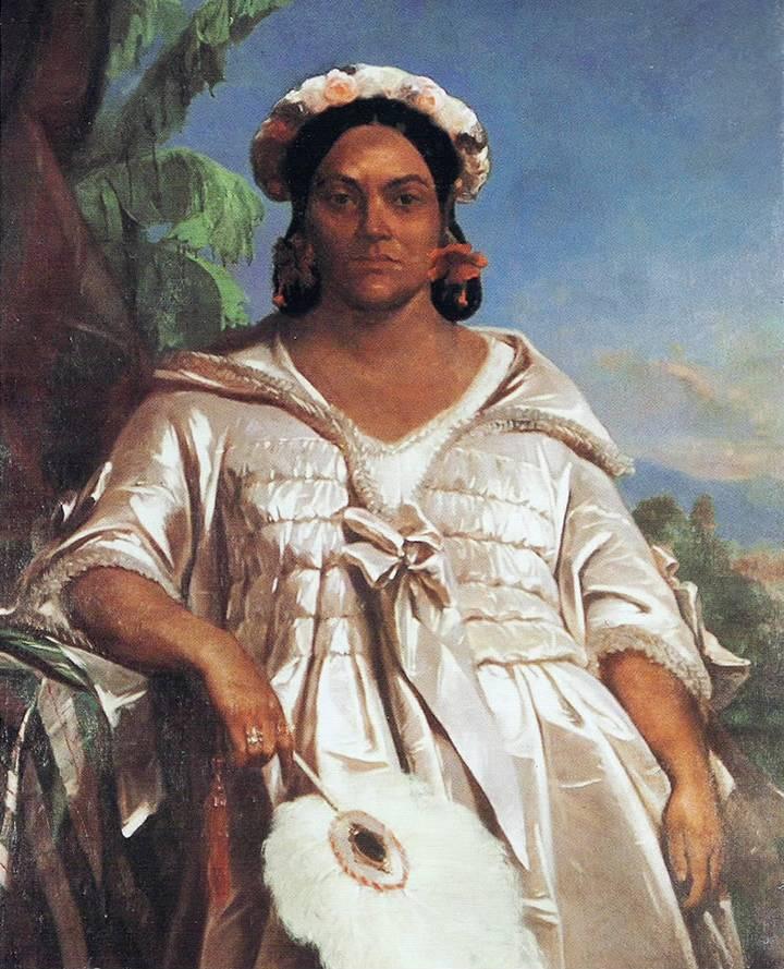 Cette image est une peinture de la reine Pomare IV par le peintre Charles Giraud. La reine est debout, vêtue d'une robe européenne sophistiquée couleur nacre. Elle a une coiffure élaborée, porte une couronne de fleurs et tient un éventail dans sa main droite.