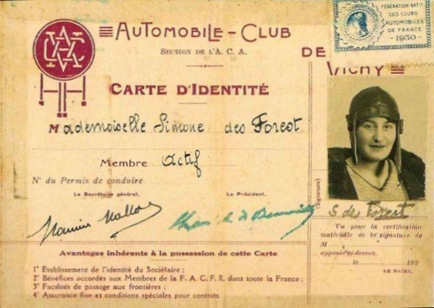 Cette image est la Licence 1930 de Simone des Forest à l'Automobile Club de Vichy. On y voit sa photo à droite.